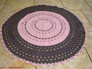 Patrícia - Trabalhos em Crochê/Work in Crochet/El trabajo en Crochet: Tapete Bebê Redondo Rosa e Marrom/Carpet Baby Rose Round and Brown/Bebé alfombra rosa redonda y Brown