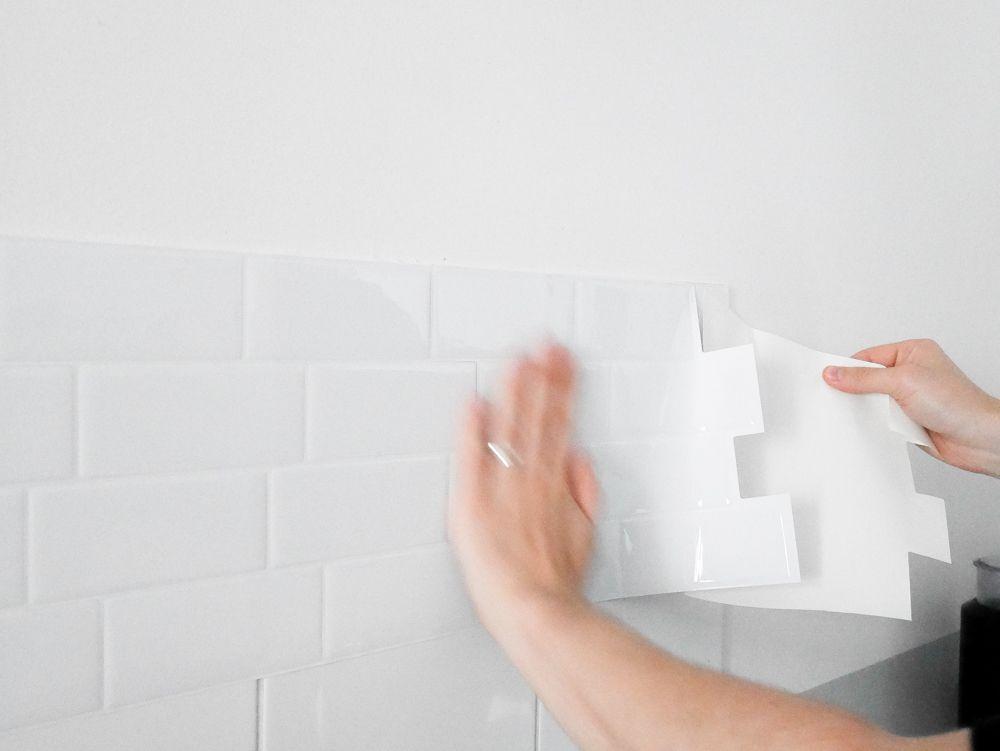 Ma cuisine avec Smart Tiles Smart tiles, Laundry rooms and Condos - adhesif pour plan de travail cuisine