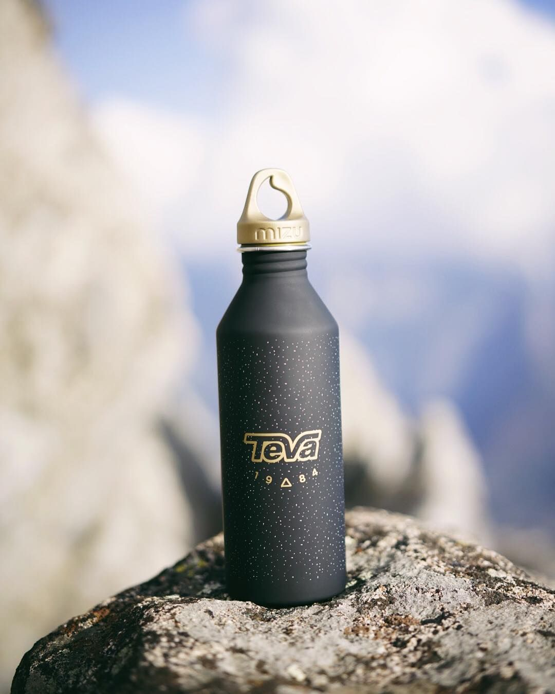 Perfect hiking water bottle! Thanks @teva and @mizulife for keeping me hydrated Re-post by Hold With Hope