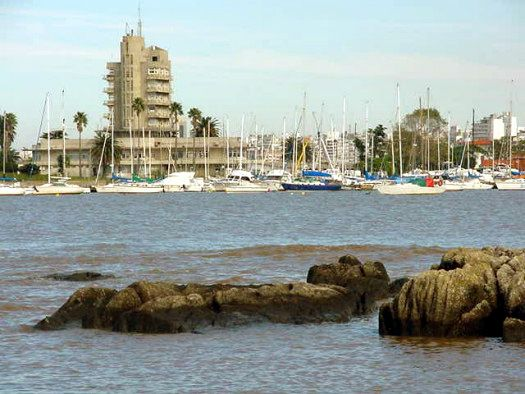 barrio buceo, montevideo - Buscar con Google My day in Uruguay - google is my resume