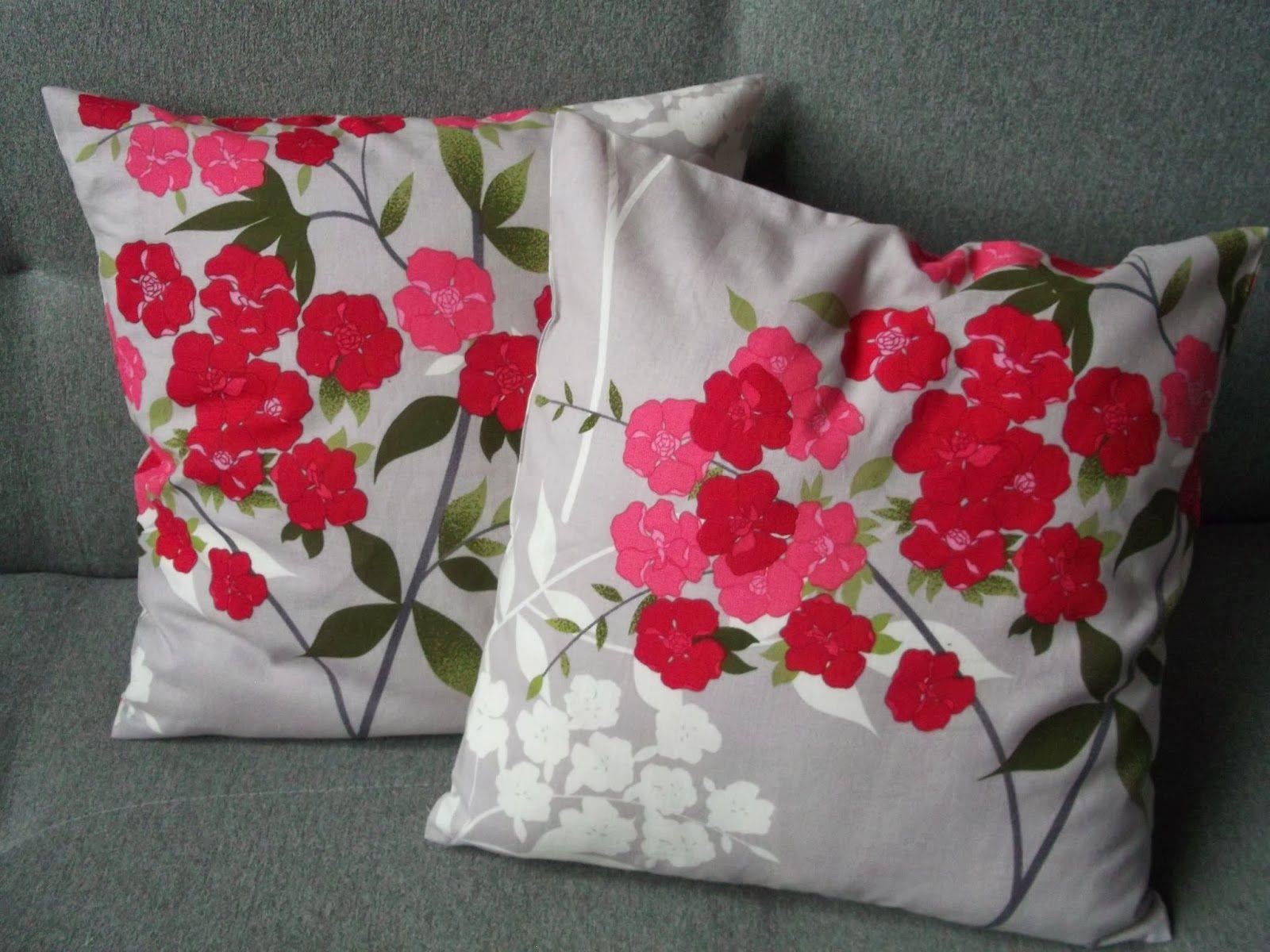Poduszki z wzorem kwiatowym
