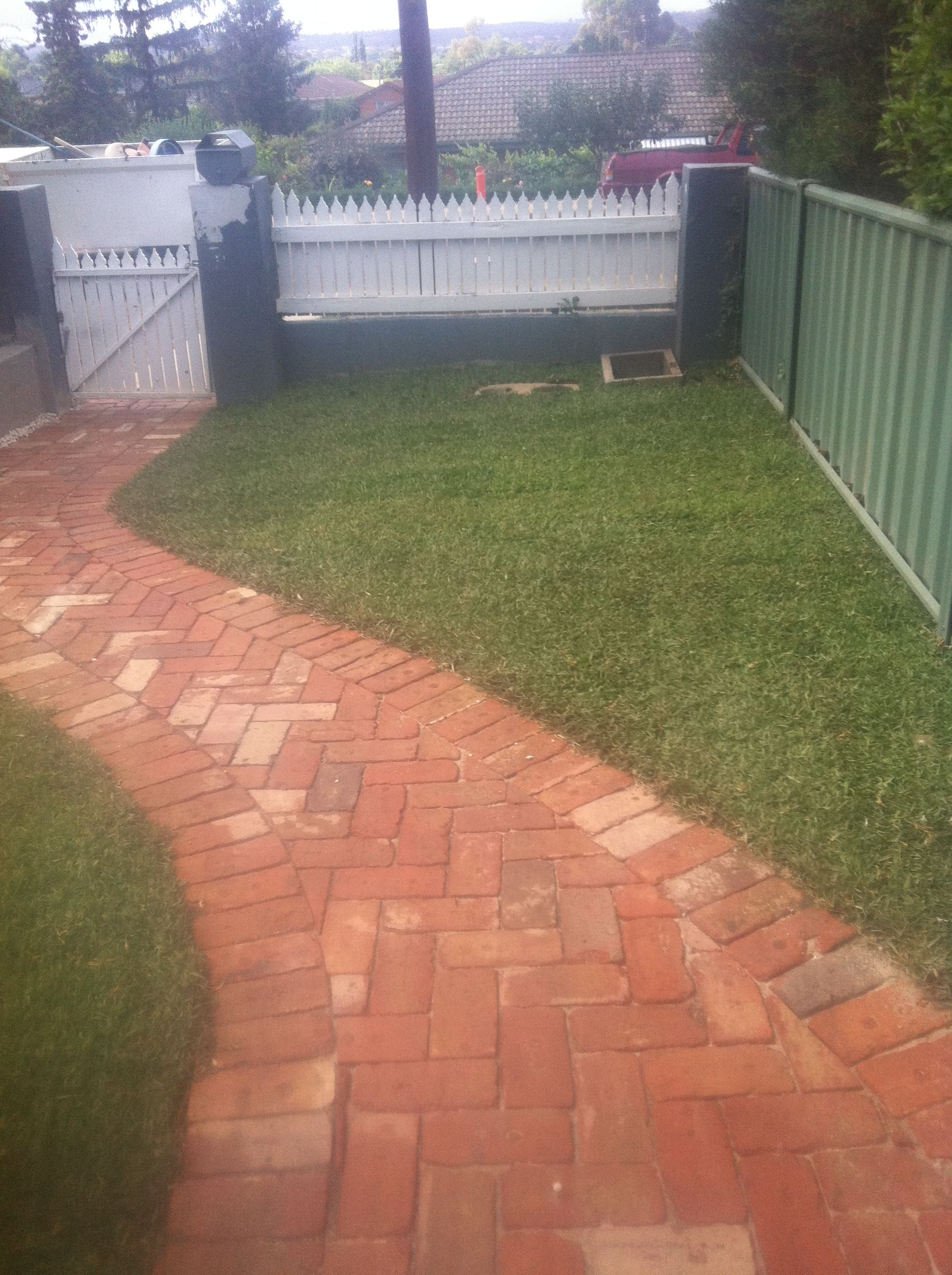 Recycled Red Brick Paving Www Pavingcanberra Com Brick Garden