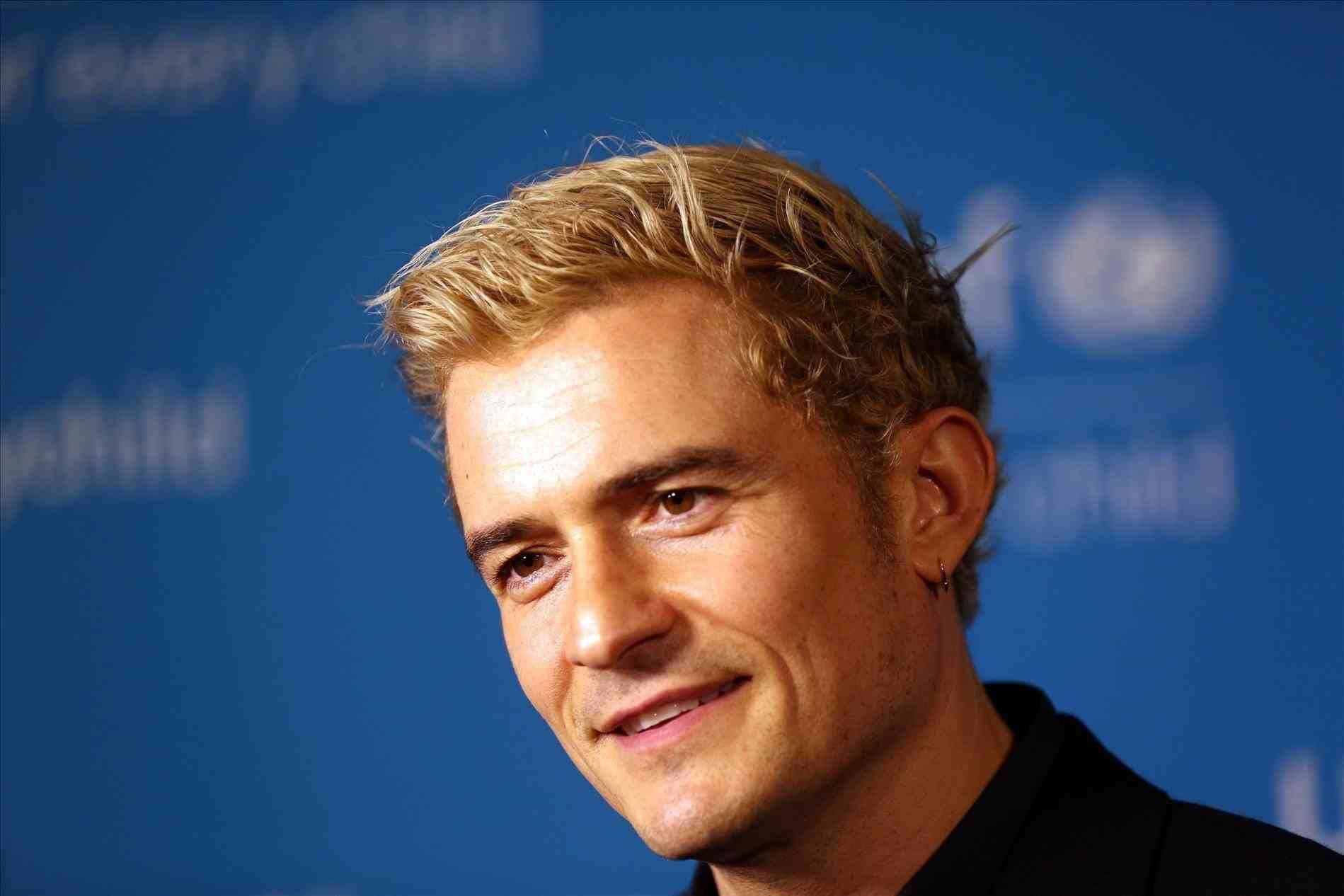 Light Ash Blonde Hair Color For Men With Images Men Hair Color