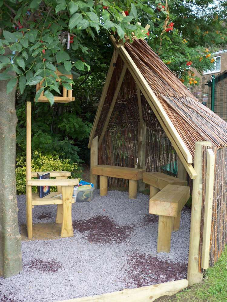 Childrens den Eyfs outdoor area, Natural playground