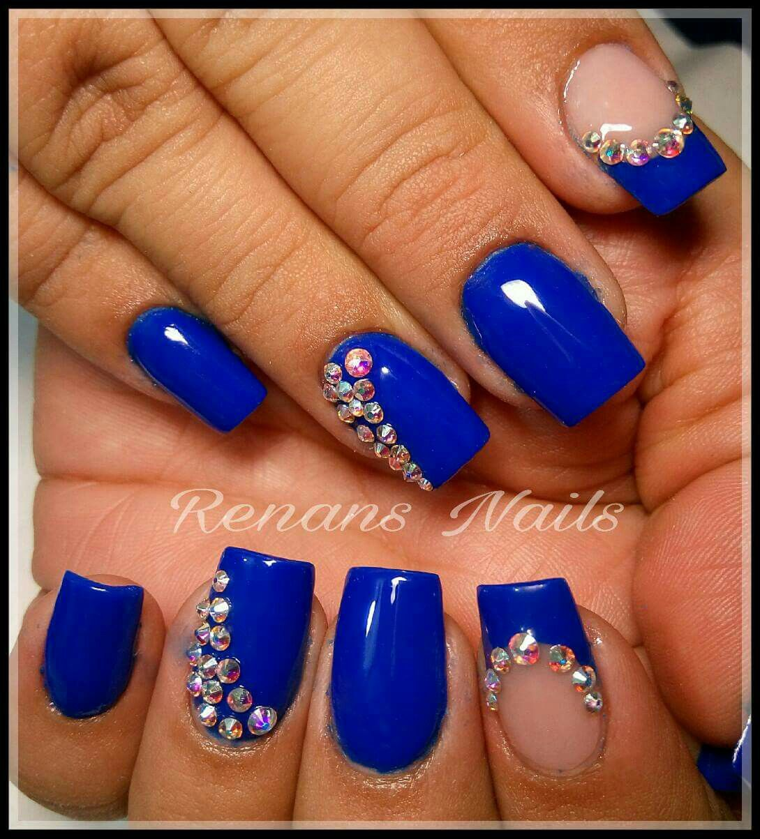 Uñas acrílicas azules con diamantes   Uñas manos   Pinterest