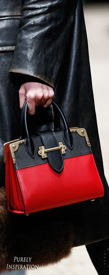 Prada Fall 2016 Ready to Wear Fashion Show | Fashion bags