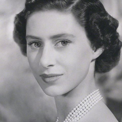 Princess Margaret, 1950 .   Princess margaret, Queen elizabeth, Queen elizabeth ii