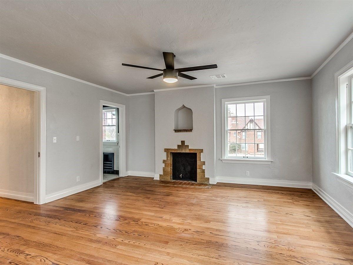 Home Decorators Collection Paint: Wall Color: BM Graytint 1611 Ceiling Fan: Home Decorators
