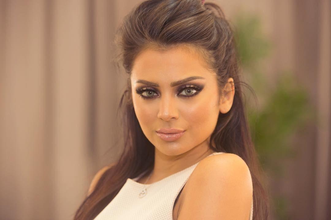 16 8k Likes 596 Comments Hanan Alnajadah حنان النجادة Hananalnajadah On Instagram My Makeup On The Last Workshop In Ku Makeup Studio Makeup Instagram