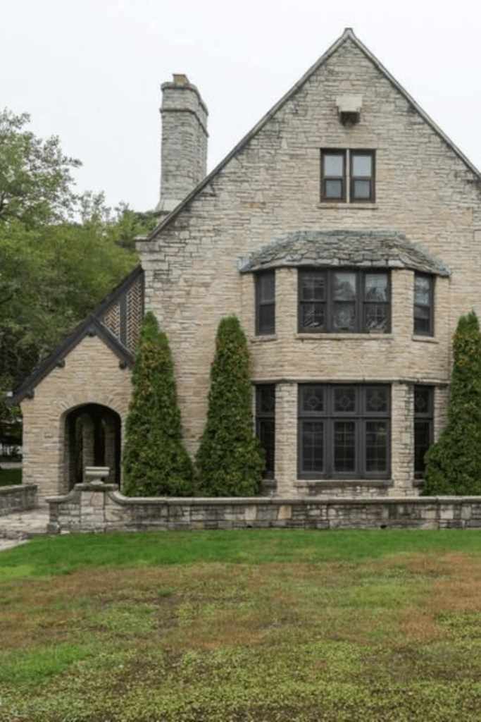 1927 Stone House For Sale In Manitowoc Wisconsin Captivati 1927 Stone House For Sale In Manitowoc Wiscon In 2020 Stone House Revival Old Stone Houses Stone Houses