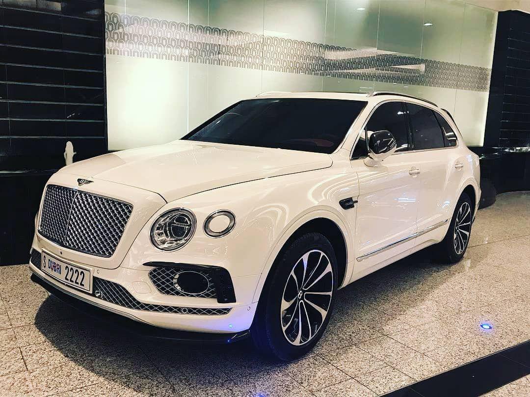 What S A Amazing Peace Of Art Bentley Bentayga Supercar Ma5ia Supercarsheaven Black List Madwhips Madwhips Features Ca Luxury Suv Bentley Suv Luxury Cars