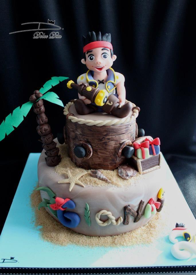 """gâteau disney """"jake et les pirates du pays imaginaire"""" réalisé par"""