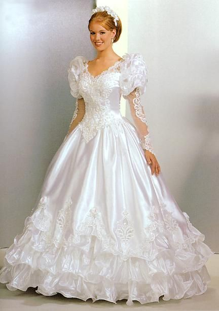 90 S Wedding Dress This Actually Wouldn T Be Bad With A Sweetheart Neck Line