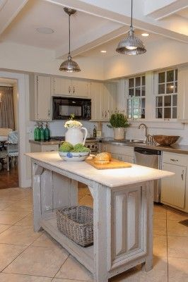 Lacy Phillips - interior design - Pensacola, Florida - One of our custom kitchen islands.