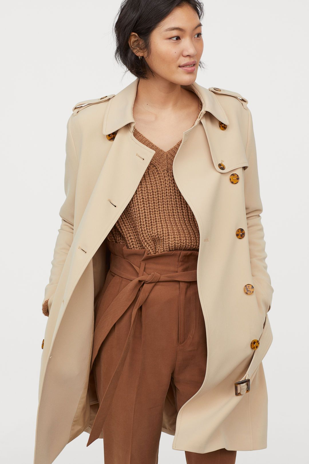 Trenchcoat in 2019 | My Style | Trench coat outfit, Beige