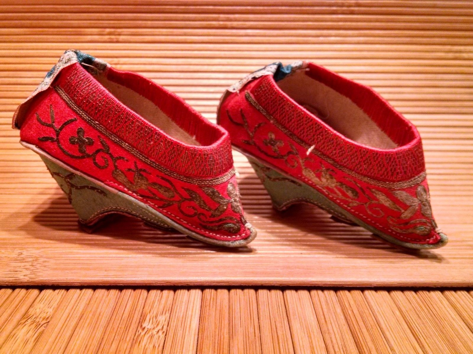 Antique 19thc Small Chinese Lotus Shoes Silk Embroidery Bound Feet