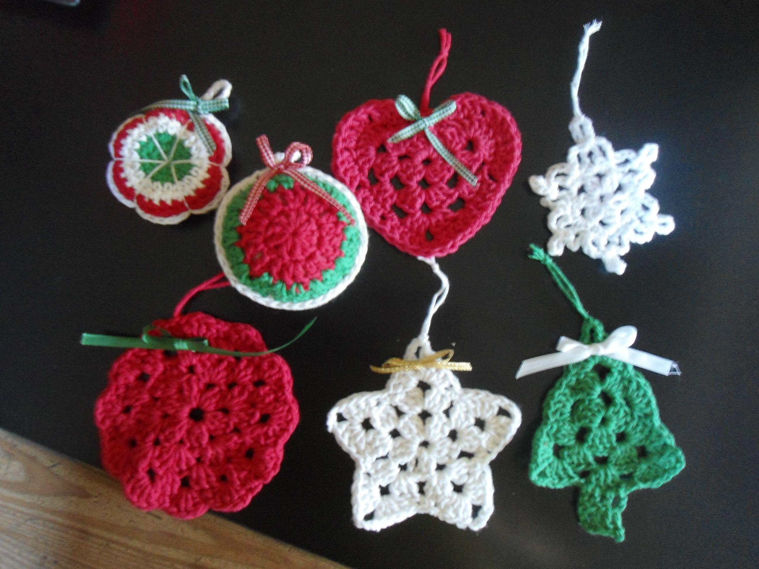Adornos de navidad faciles affordable adornos navideos for Adornos navidenos tejidos a crochet 2016