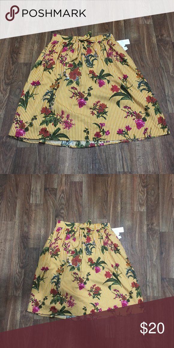 e96cdf12f059 Cute Summer time Skirt 🔻A -Line Midi Length 🔻Side Pockets 🔻 Mustard  Yellow with pink flowers 🌺 🔻Elastic waistband with tie front 🔻 100%  Cotton Skirts ...