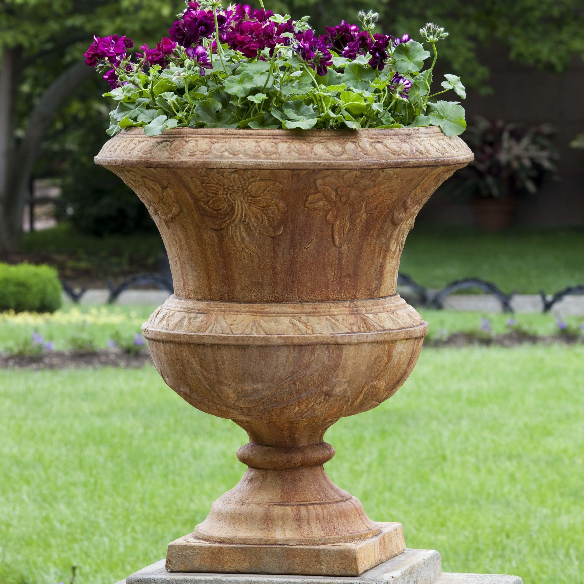 i gardening front pin porch urns on the planter want
