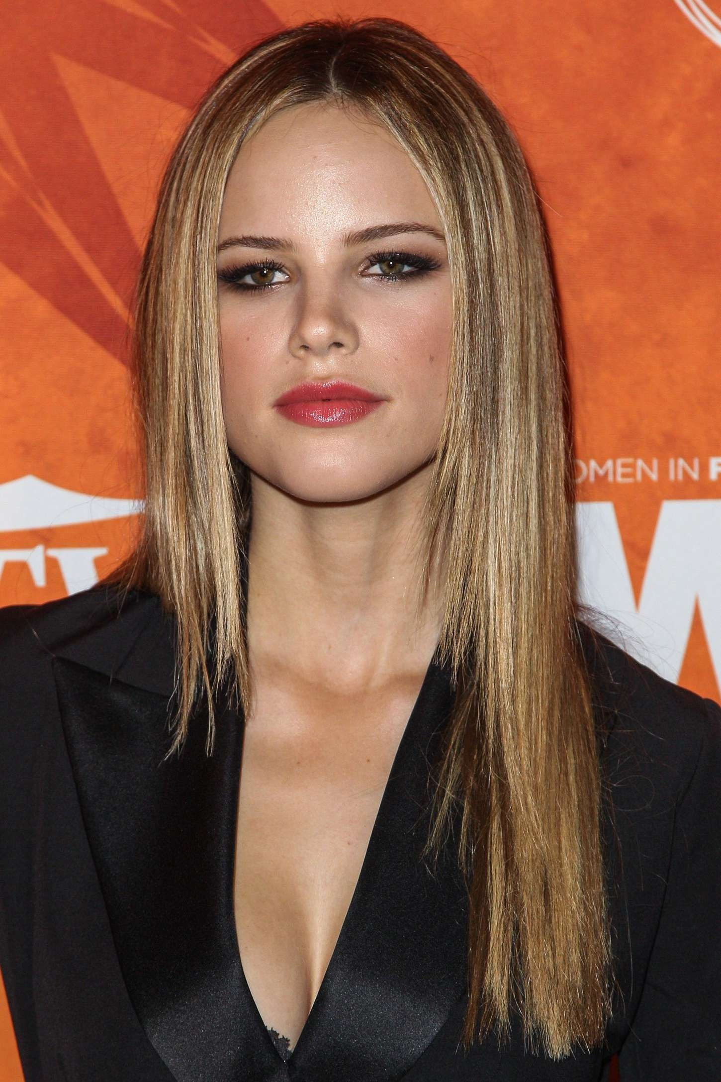Halston Sage Nude Photos 92