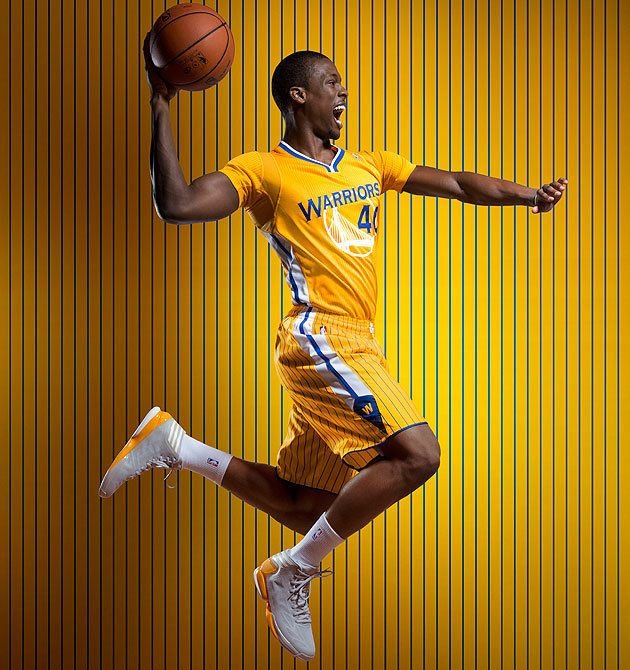 Warriors To Debut Tight Yellow Alternate Jerseys With Sleeves Against Spurs On Feb 22 Photos Golden State Warriors Shorts Nba Warriors Nba Uniforms