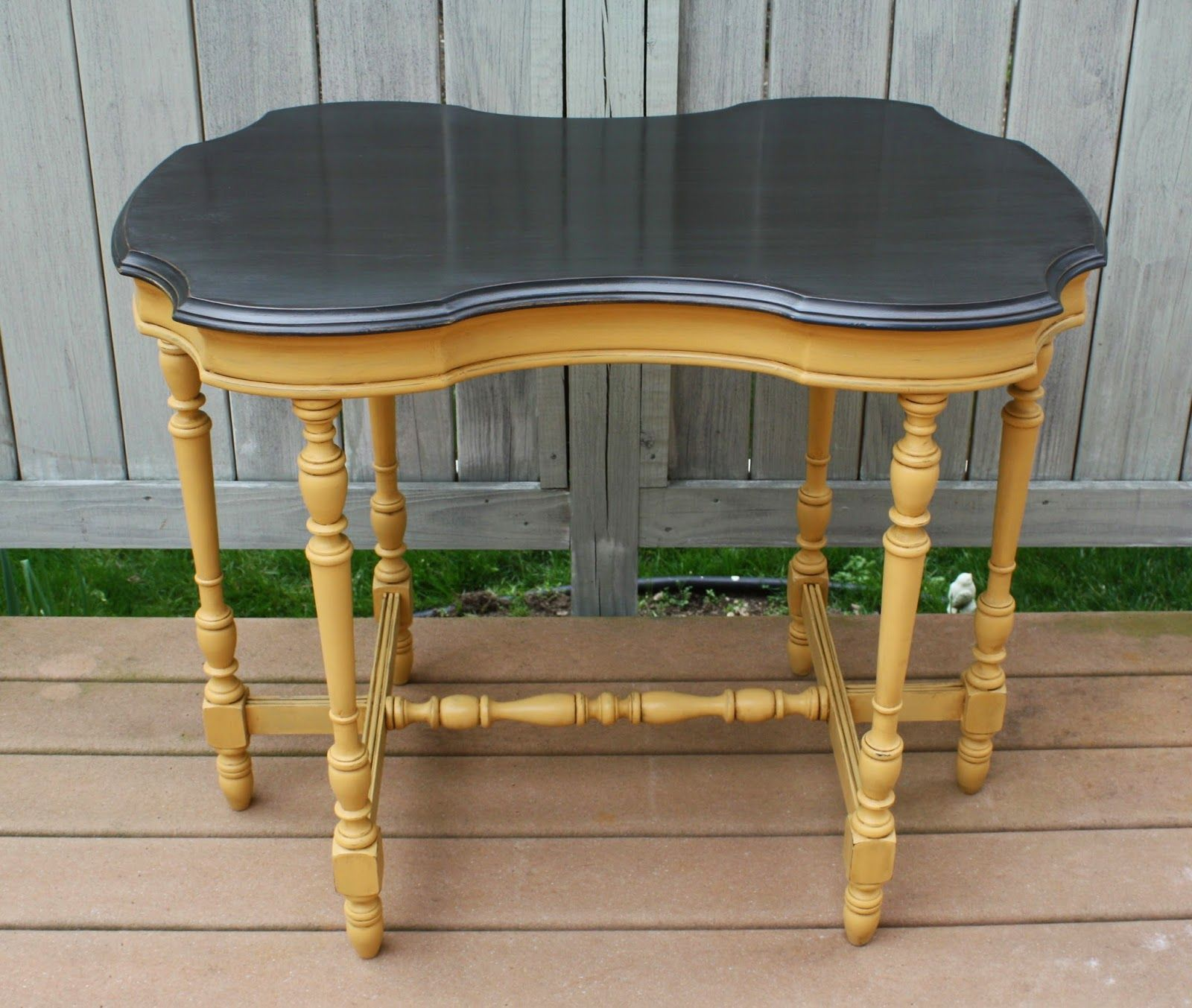 The Black Sheep Shoppe: Vintage Occasional Table