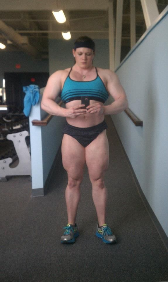 Pin By Robert Hicks On Fitness Bodybuilding Motivation Strong Girls Muscular