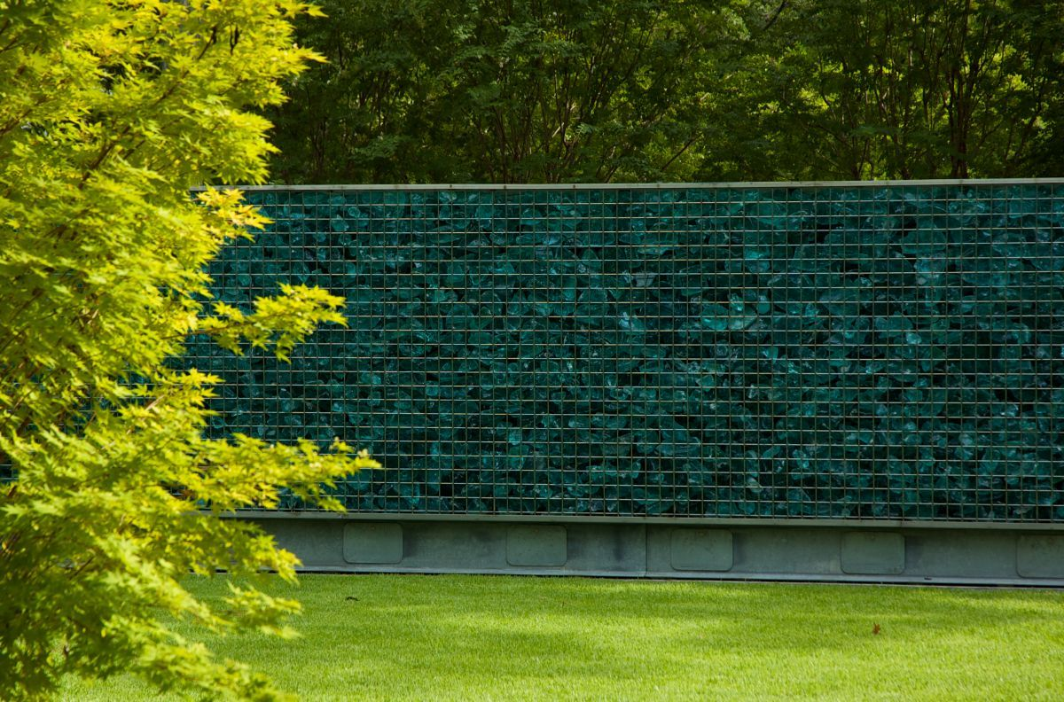 Ideas for Garden Wall Decorations | Glass garden, Fences and Walls