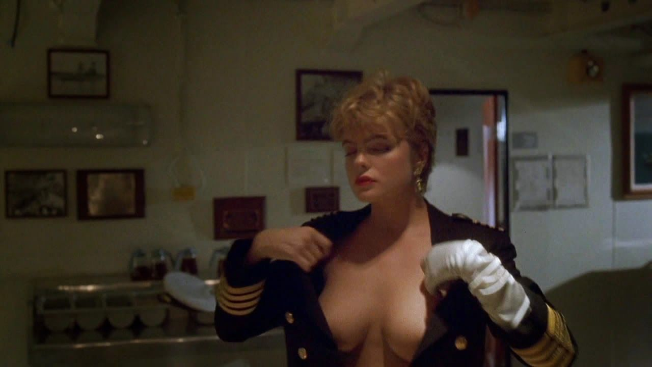 Under Siege 1992 Screenshot Buscar Con Google Erika Eleniak