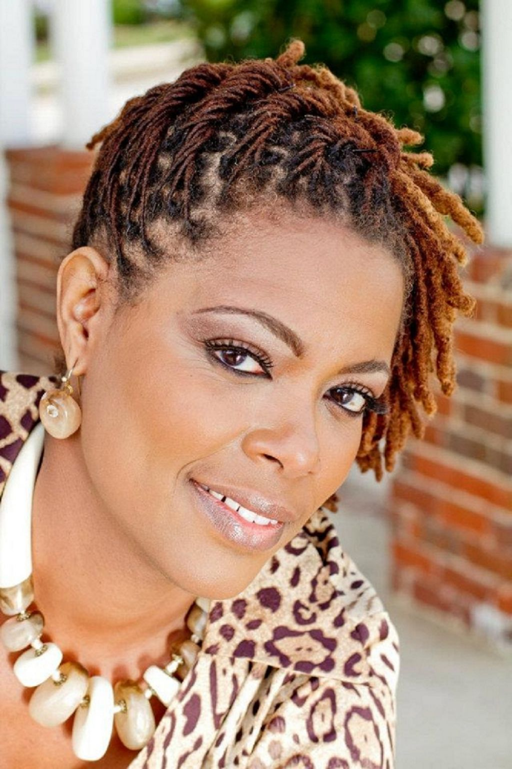 Different Hairstyles For Short Dreadlocks Jpg 1024 1537 Locs Hairstyles Short Locs Hairstyles Hair Styles