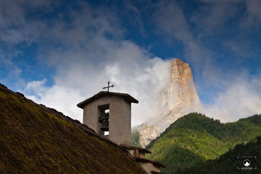 La Chapelle De Trezanne Et Le Mont Aiguille Mont Aiguille