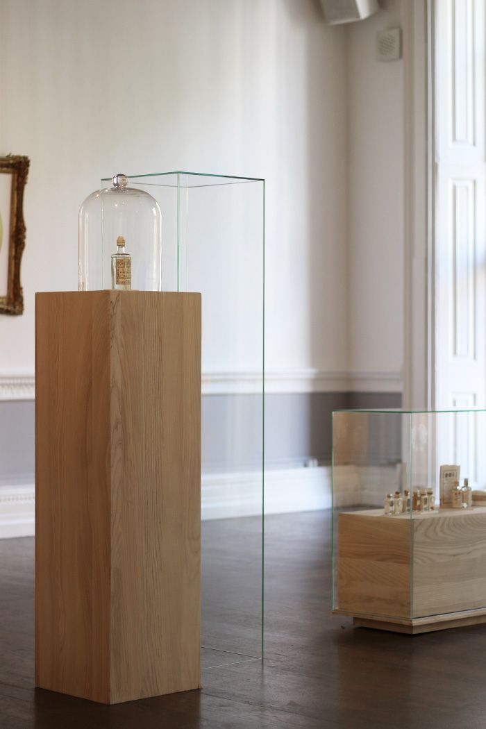 Stehle Flos display exhibition plinths plinths exhibition and
