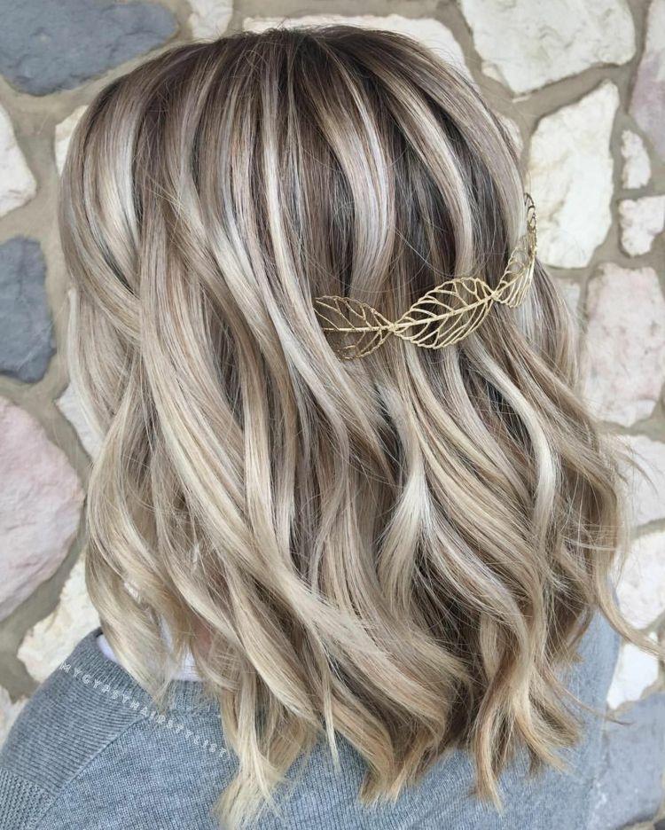Mit strähnen hellblond dunklen Blonde haare