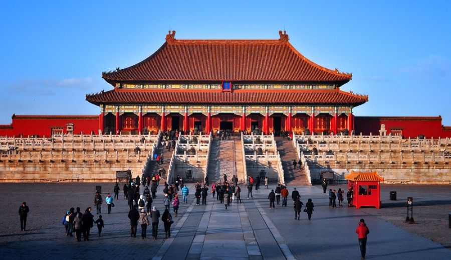 The Forbidden City Complex In Beijing Has Over 9 000 Rooms Forbidden City City World Cultural Heritage