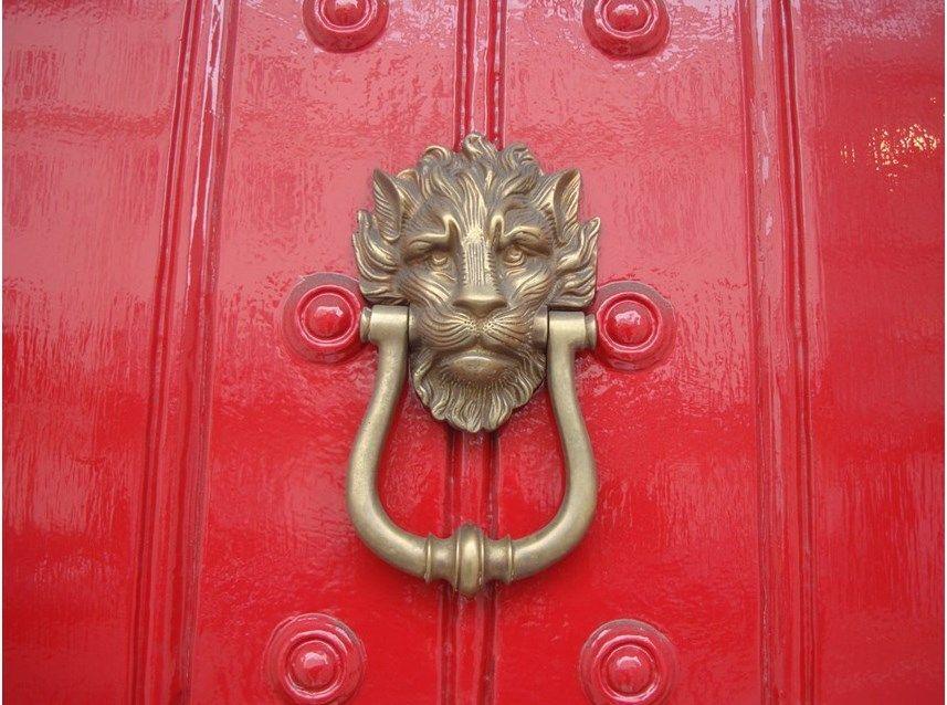 25 Door Knockers with a Story to Tell & 25 Door Knockers with a Story to Tell | Doors