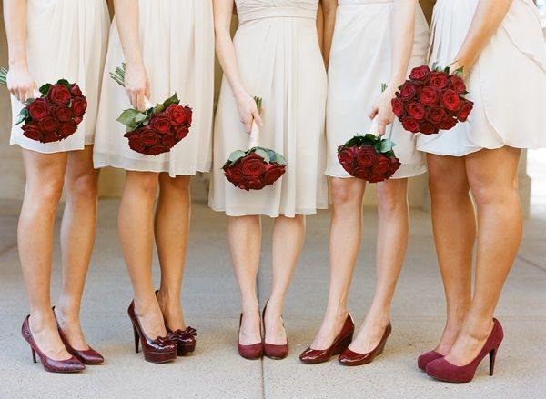 Ivory and Red Bridesmaids   photography by http://www.carriepattersonphotography.com/