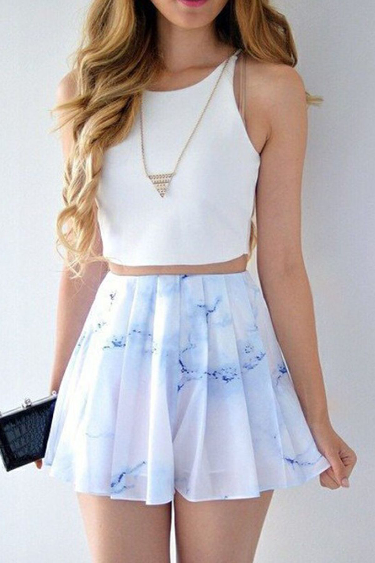 Bateau Short Chiffon Dresses
