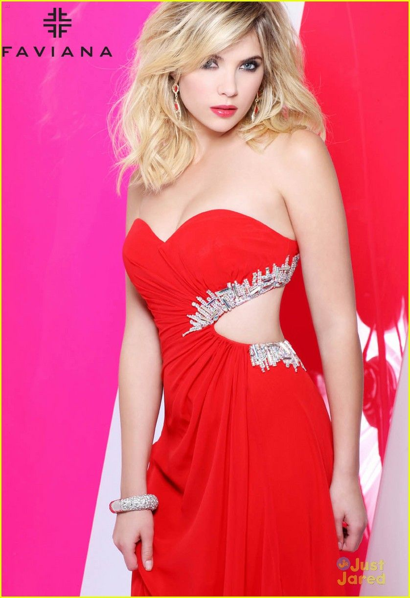 Ashley Benson: Faviana Fashion Tips!