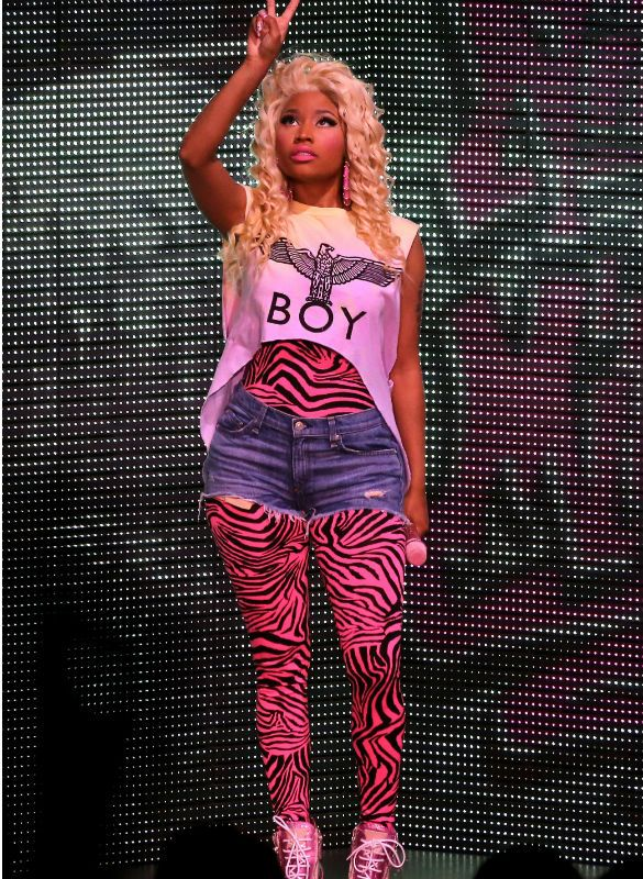 Nicki minaj outfit | Nicki Minaj to Play Fan Appreciation Show in New York City on Aug. 14 ...