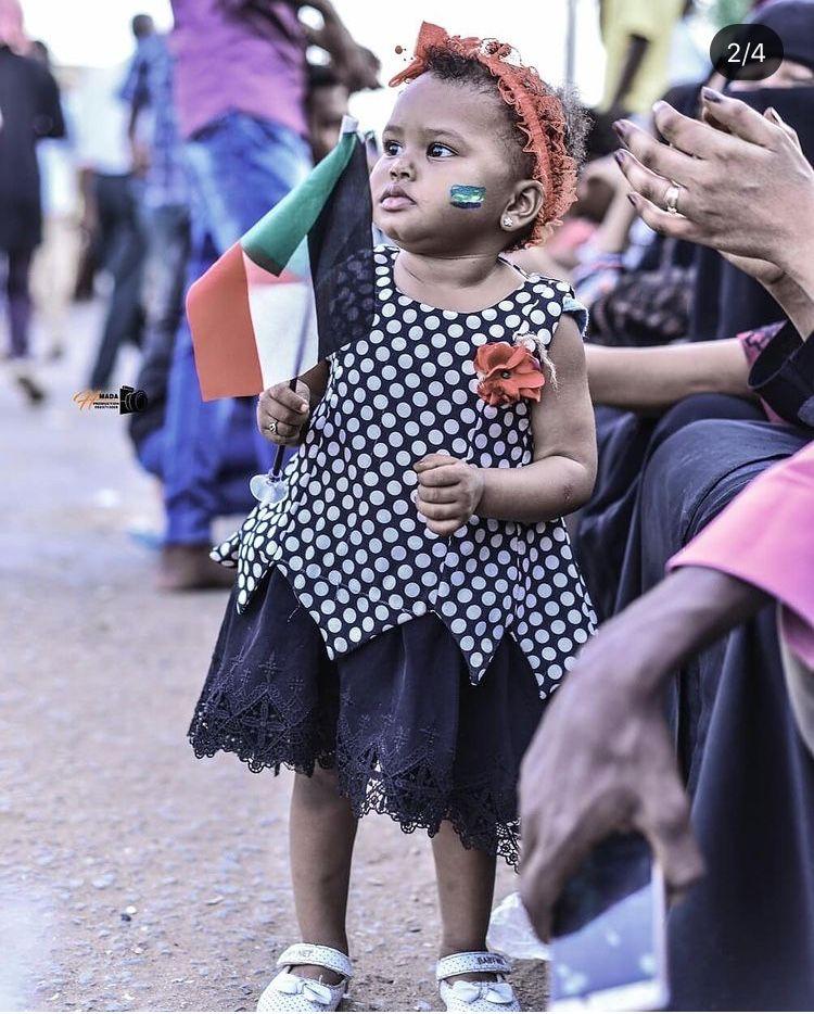طفلة في ثورة السودان Flower Girl Dresses Girls Dresses Fashion