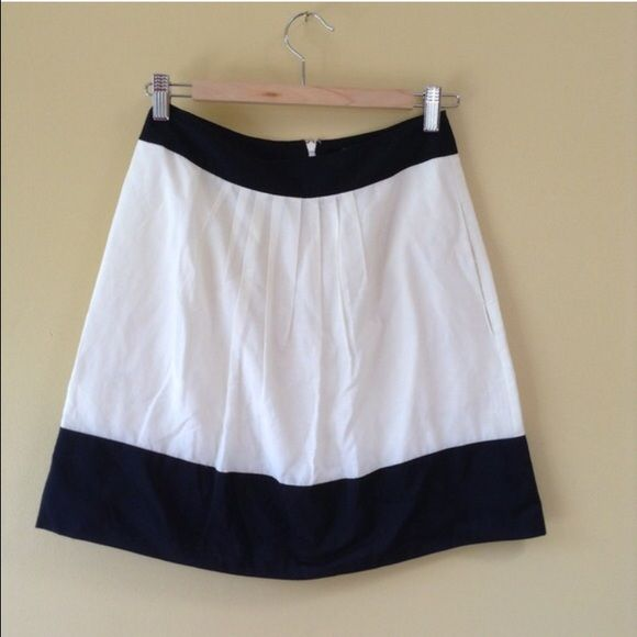 Black and white Skirt Light weight skirt with pocket from banana republic. 15% off for bundle. Banana Republic Dresses