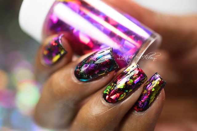 Scattered Holographic Foil Nail Art Tutorial