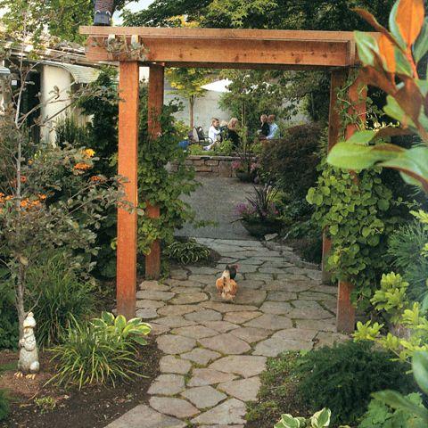 09186f029b70f94401ed69090e259c73 - Free Range Chicken Gardens Jessi Bloom
