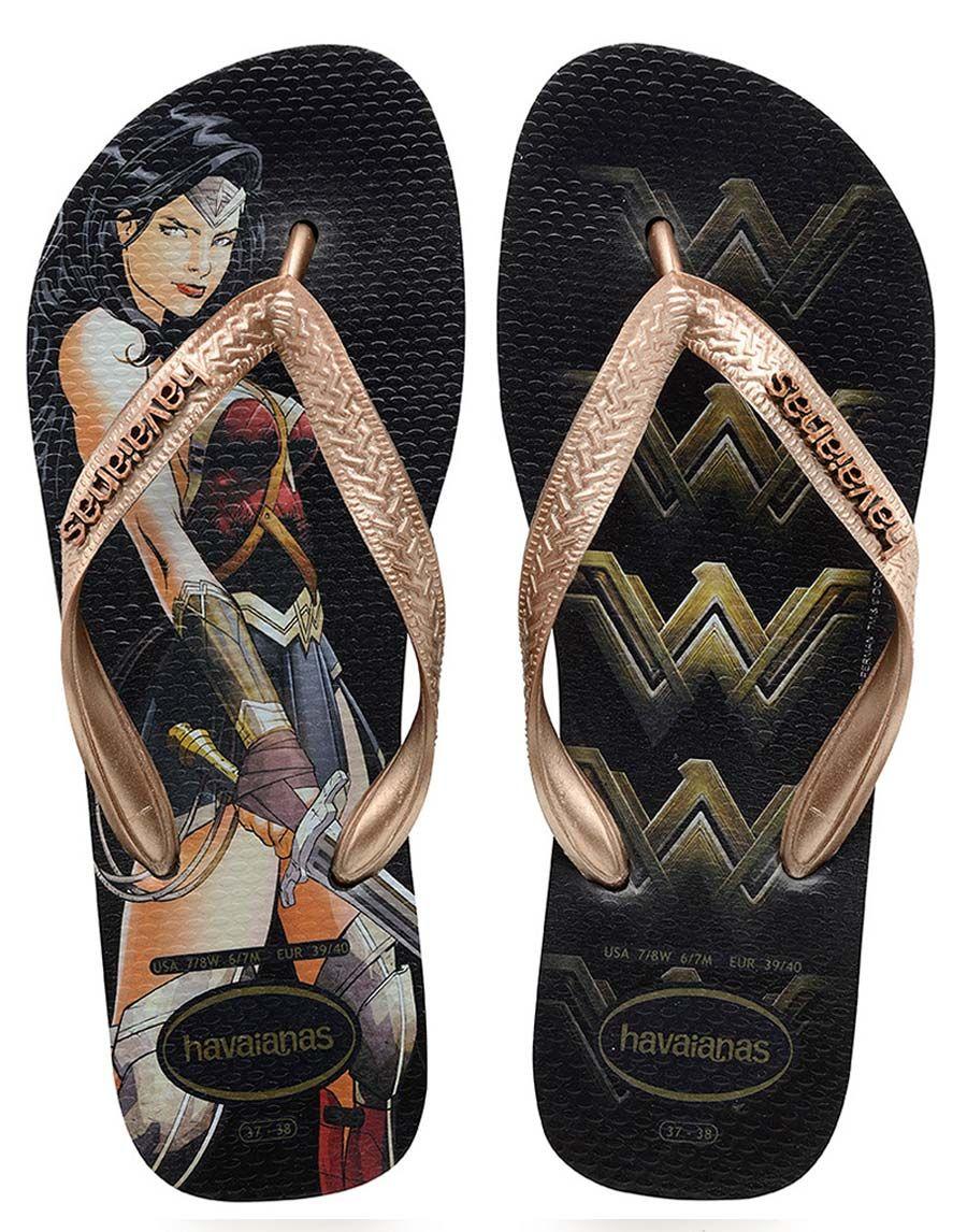c349f4ae6a A Havaianas lançou novos pares de chinelo homenageando a Mulher-Maravilha.  A marca já