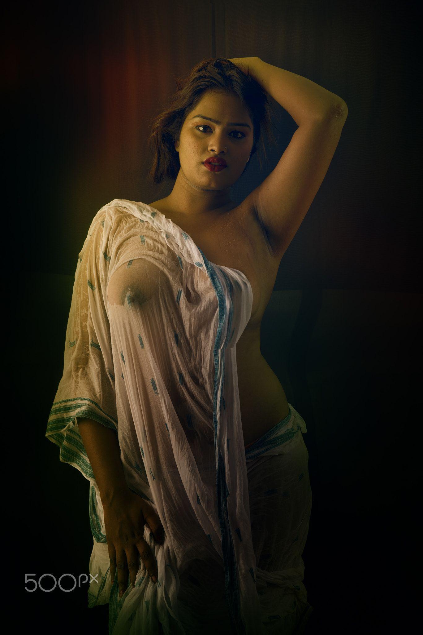 Nude In Wet Saree Nude In Wet Saree In Desperate Mood