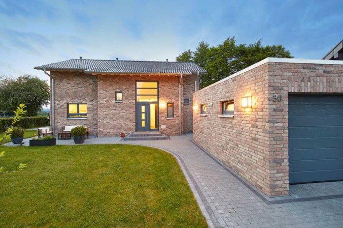 Zu zweit bauen? Warum nicht. Komfortables und individuelles Wohnen ist keine Frage der absoluten Größe. Foto: Gussek Haus // Mehr auf livvi.de