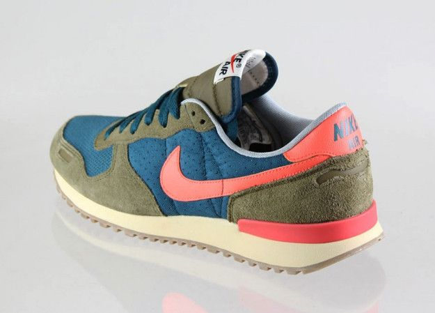 clérigo Incorrecto Red  Nike Air Vortex Vintage V-Series | Chaussures homme, Placard à chaussures,  Chaussure basket