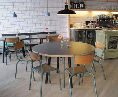 Taranna Cafe.  Viladomat, 23 - Mercat Sant Antoni-  www.tarannacafe.com
