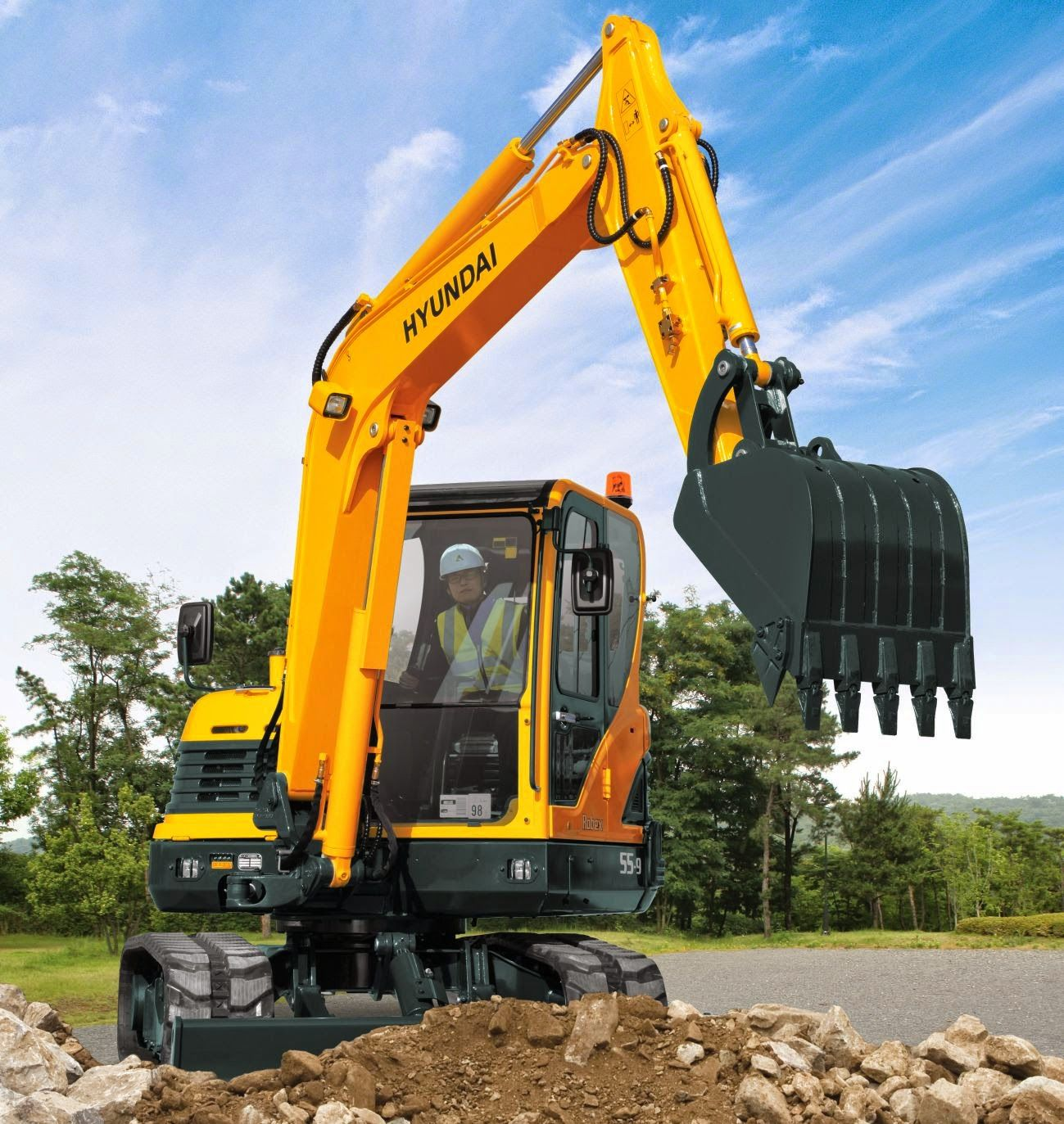 Hyundai Excavators R55-9 - Alat Berat R55-9 MIDI EXCAVATOR An advanced  hydraulic system, top marks in operator comfort and smooth handling make  the R55-9 a ...