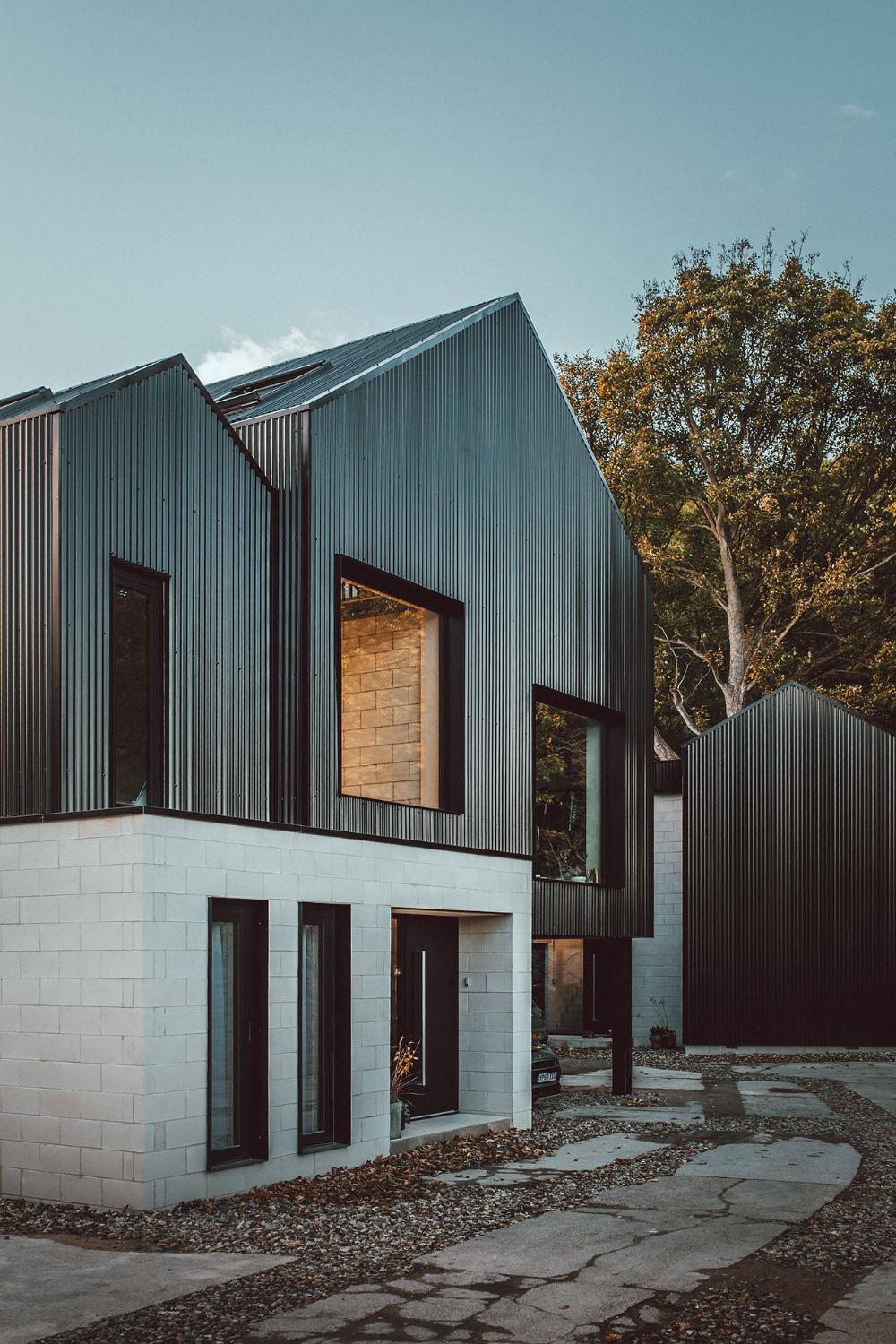 Corn Yard Twin Brothers Nik Jon Daughtry S Self Build Homes Of Industrial Elegance Yatzer In 2020 Architecture Modern Architecture Scandinavian Architecture